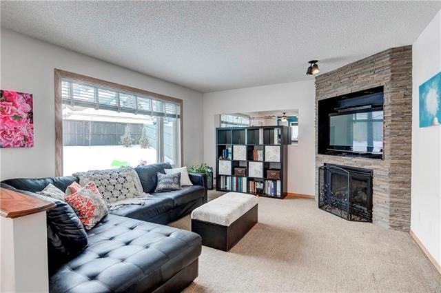 30 Hidden Court NW, Calgary, AB T3A 5P4 (#C4232172) :: The Cliff Stevenson Group