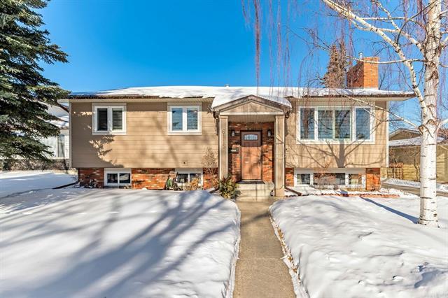 6115 Norfolk Drive NW, Calgary, AB T2K 5J8 (#C4232377) :: Calgary Homefinders