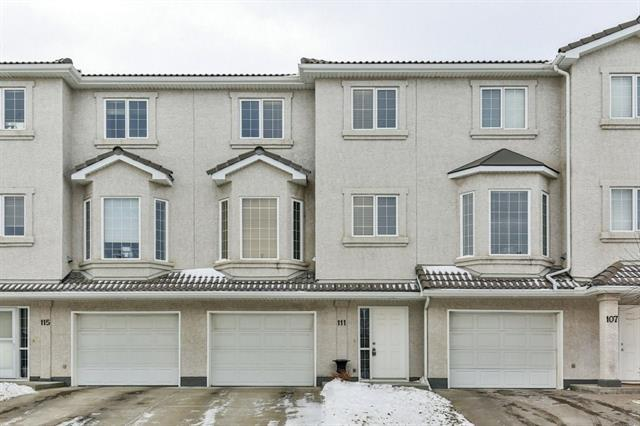 111 Hampstead Green NW, Calgary, AB T3A 6H1 (#C4232384) :: Redline Real Estate Group Inc