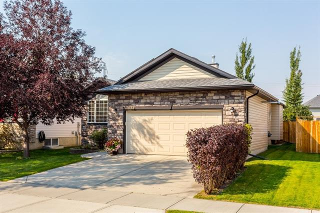 134 West Lakeview Passage, Chestermere, AB T1X 1G8 (#C4232411) :: Redline Real Estate Group Inc