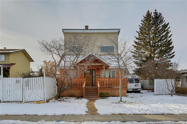 4535 70 Street NW, Calgary, AB T3B 2K7 (#C4232633) :: The Cliff Stevenson Group