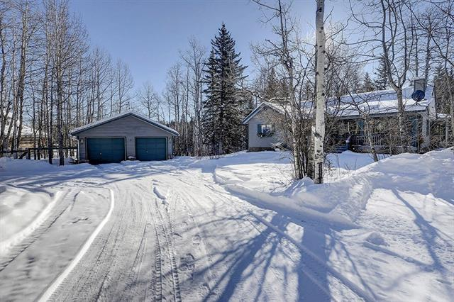 200 Aspen Creek Drive, Rural Foothills County, AB T0L 1K0 (#C4232989) :: Calgary Homefinders