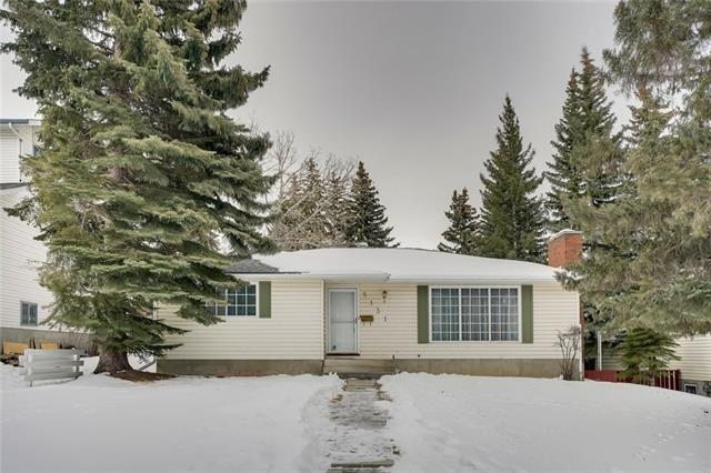 5131 Dalham Crescent NW, Calgary, AB T3A 1L8 (#C4233090) :: Calgary Homefinders