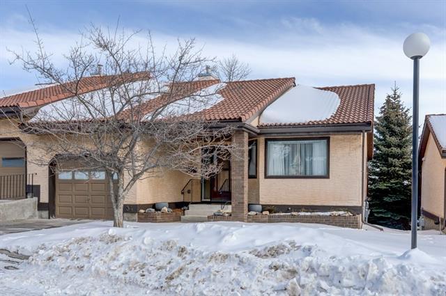 118 Strathcona Road SW #34, Calgary, AB T3H 1P3 (#C4233152) :: Redline Real Estate Group Inc