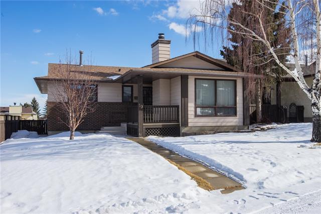59 Bearberry Bay NW, Calgary, AB T3K 4E6 (#C4233173) :: Calgary Homefinders