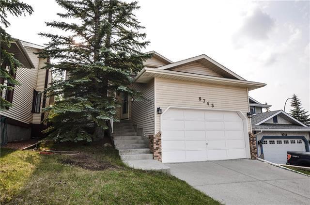 9745 Sanderling Drive NW, Calgary, AB  (#C4233188) :: Redline Real Estate Group Inc