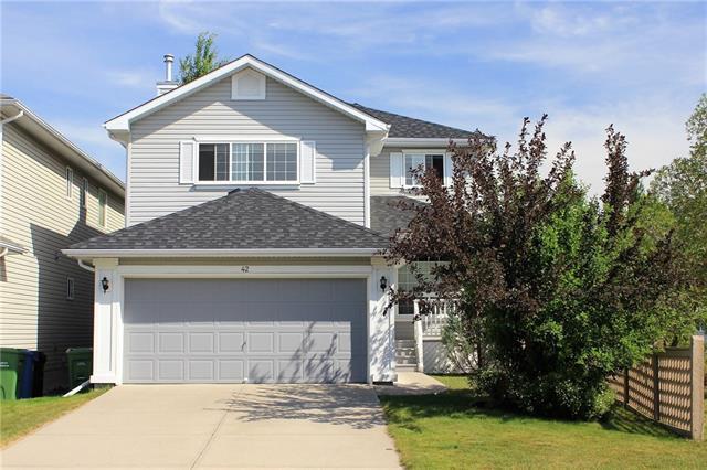 42 Sierra Nevada Way SW, Calgary, AB T3H 3M6 (#C4233231) :: Calgary Homefinders