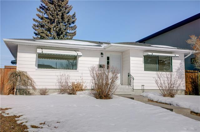 56 Langton Drive SW, Calgary, AB T3E 5E9 (#C4233282) :: Redline Real Estate Group Inc