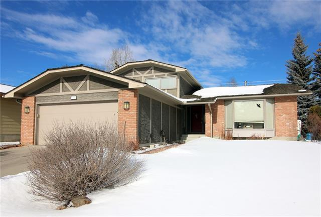351 Parkwood Close SE, Calgary, AB T2J 3V9 (#C4233454) :: Calgary Homefinders
