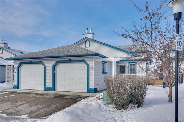 33 Stonegate Drive NW #9, Airdrie, AB T4B 2V9 (#C4233528) :: Calgary Homefinders