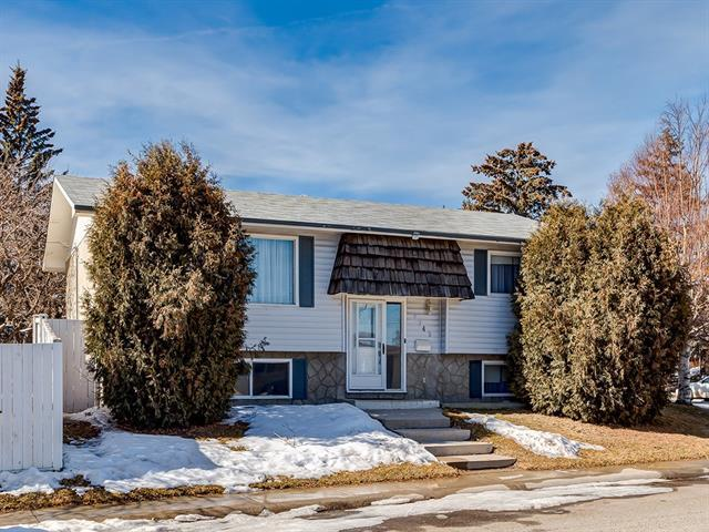 7343 Huntley Road NE, Calgary, AB T2K 4Z6 (#C4233799) :: Calgary Homefinders