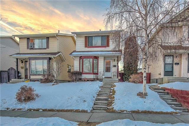 379 Falton Drive NE, Calgary, AB T3J 2X4 (#C4233955) :: Calgary Homefinders