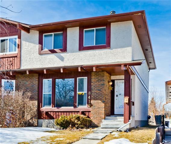 8419 Centre Street NW, Calgary, AB T3K 1L6 (#C4234023) :: Calgary Homefinders