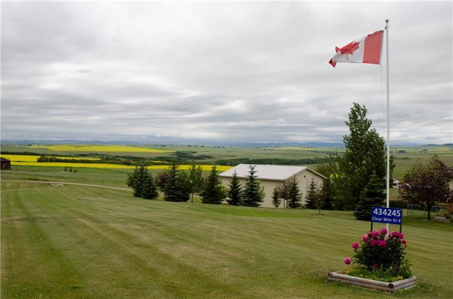 434245 Clear Mountain Drive E, Rural Foothills County, AB T1S 1A1 (#C4234176) :: Calgary Homefinders