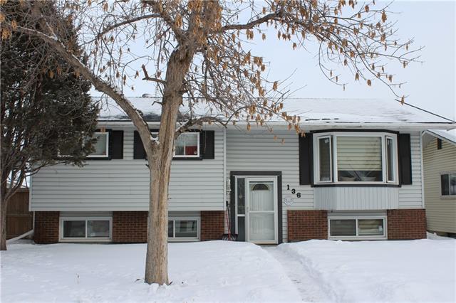 136 Whiteglen Crescent NE, Calgary, AB  (#C4234187) :: Calgary Homefinders