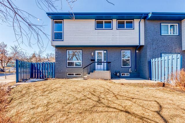 6440 4 Street NW #92, Calgary, AB T2K 1B8 (#C4235500) :: Calgary Homefinders
