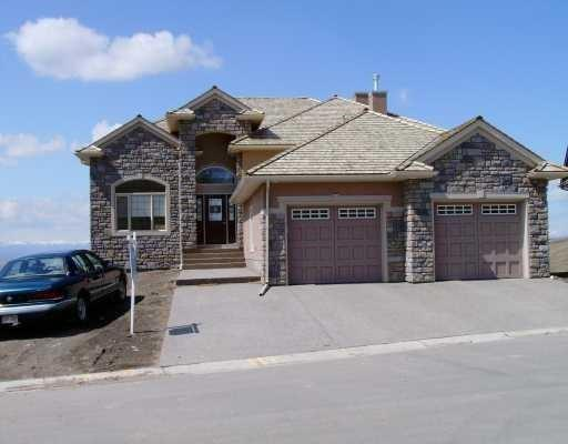 194 Gleneagles Estate Lane, Cochrane, AB T4C 2H8 (#C4239609) :: The Cliff Stevenson Group