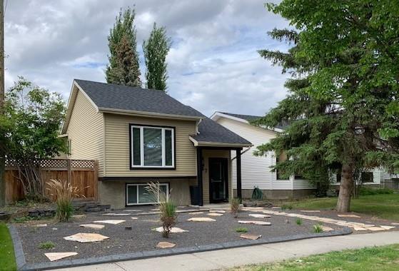 887 Mckenzie Drive SE, Calgary, AB T2Z 1T5 (#C4248006) :: The Cliff Stevenson Group
