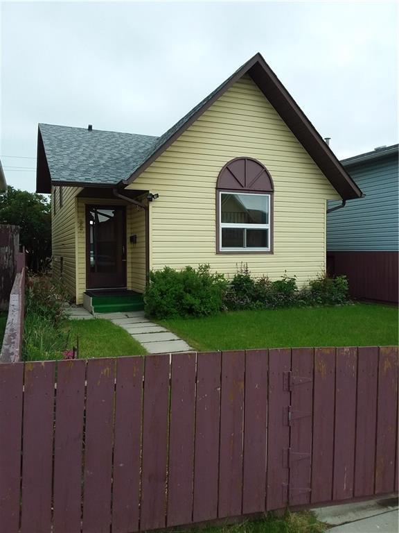 227 Falmere Way NE, Calgary, AB T3J 2Y2 (#C4256076) :: Redline Real Estate Group Inc