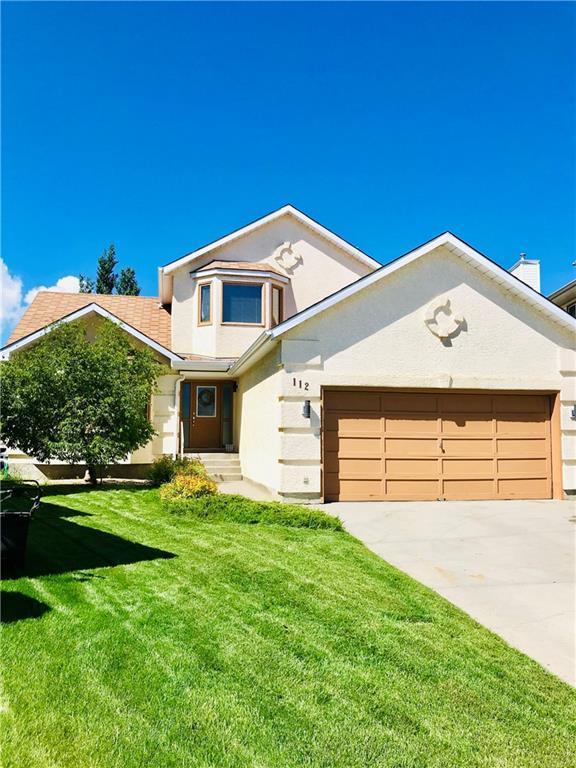 112 Hawktree Close NW, Calgary, AB T3G 3T3 (#C4256458) :: Redline Real Estate Group Inc