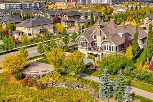 3 Westpark Place SW, Calgary, AB T3H 0C3 (#C4272323) :: Virtu Real Estate