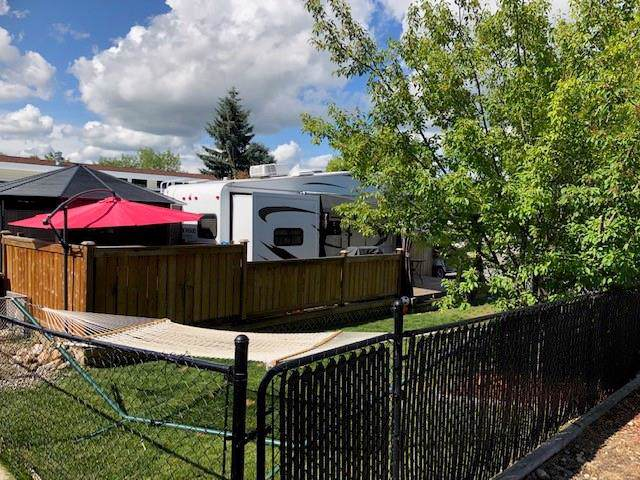 828 Carefree Resort, Rural Red Deer County, AB T4G 0K6 (#C4272431) :: Redline Real Estate Group Inc