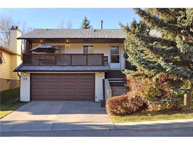 92 Edgewood Drive NW, Calgary, AB T3A 2T5 (#C4273510) :: Virtu Real Estate