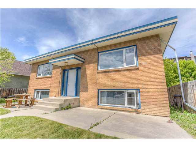 1812 27 Avenue SW, Calgary, AB T2T 1H1 (#C4278346) :: Canmore & Banff