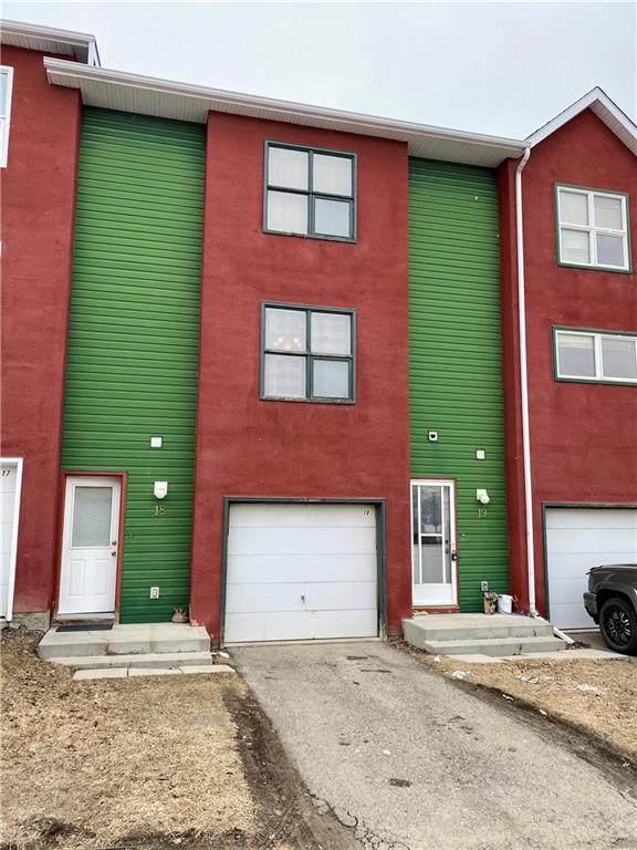 7 Westland Road #18, Okotoks, AB T1S 1Z1 (#C4293246) :: Redline Real Estate Group Inc