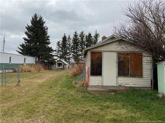 317 Macrae Street, Bawlf, AB T0B 0J0 (#CA0188471) :: Redline Real Estate Group Inc