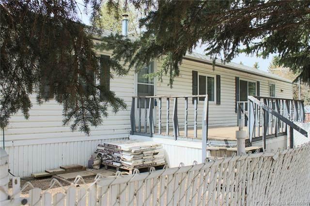6205 54 Street #35, Ponoka, AB T4J 1M5 (#CA0190695) :: Canmore & Banff