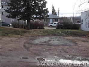 9716 100 Avenue, Grande Prairie, AB T8V 0T4 (#GP211971) :: Canmore & Banff