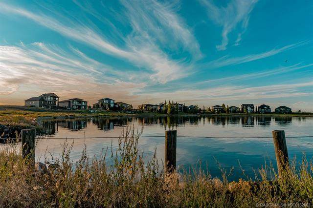 2 Kingfisher Estates, Lake Newell Resort, AB T1R 0X6 (#SC0162802) :: Team J Realtors