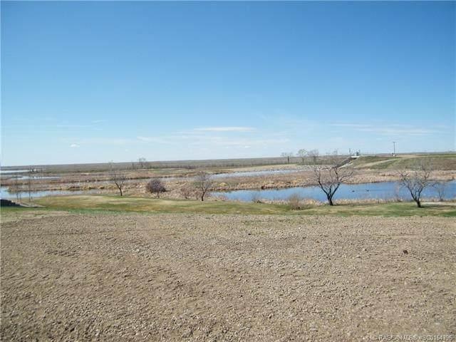 38 White Pelican Way, Lake Newell Resort, AB T1R 0M5 (#SC0164396) :: Calgary Homefinders