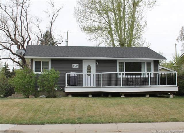 909 Riverside Drive E, Drumheller, AB T0J 0Y5 (#SC0194065) :: Redline Real Estate Group Inc
