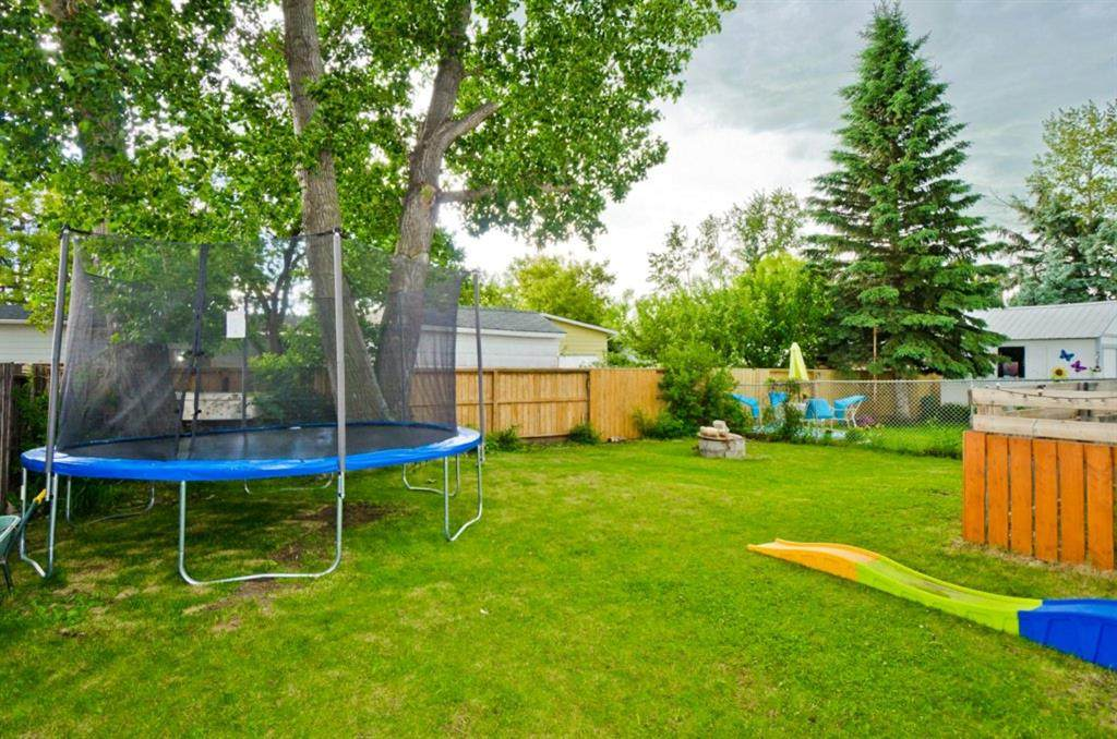 829 Brentwood Crescent - Photo 1