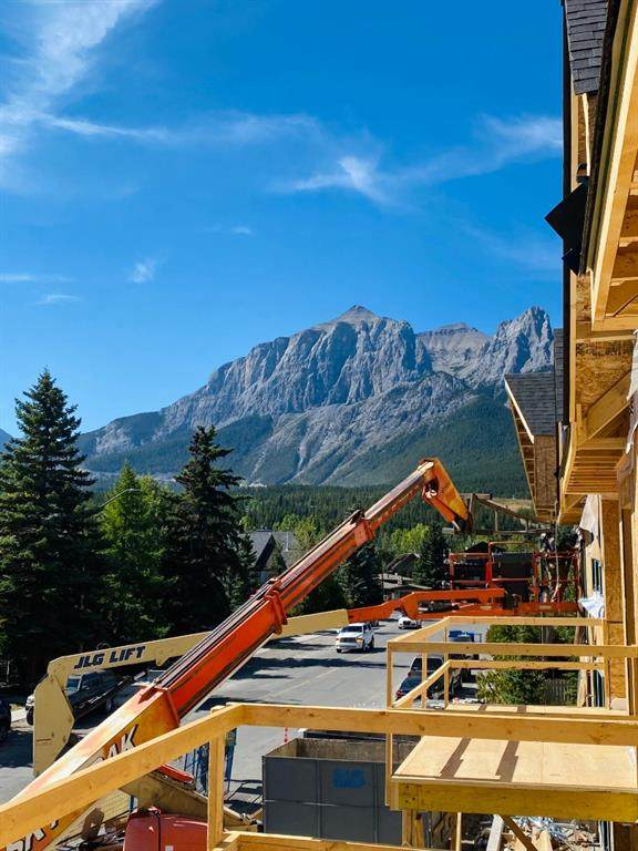 810 7th Street #211, Canmore, AB T1W 2C8 (#A1027633) :: Calgary Homefinders