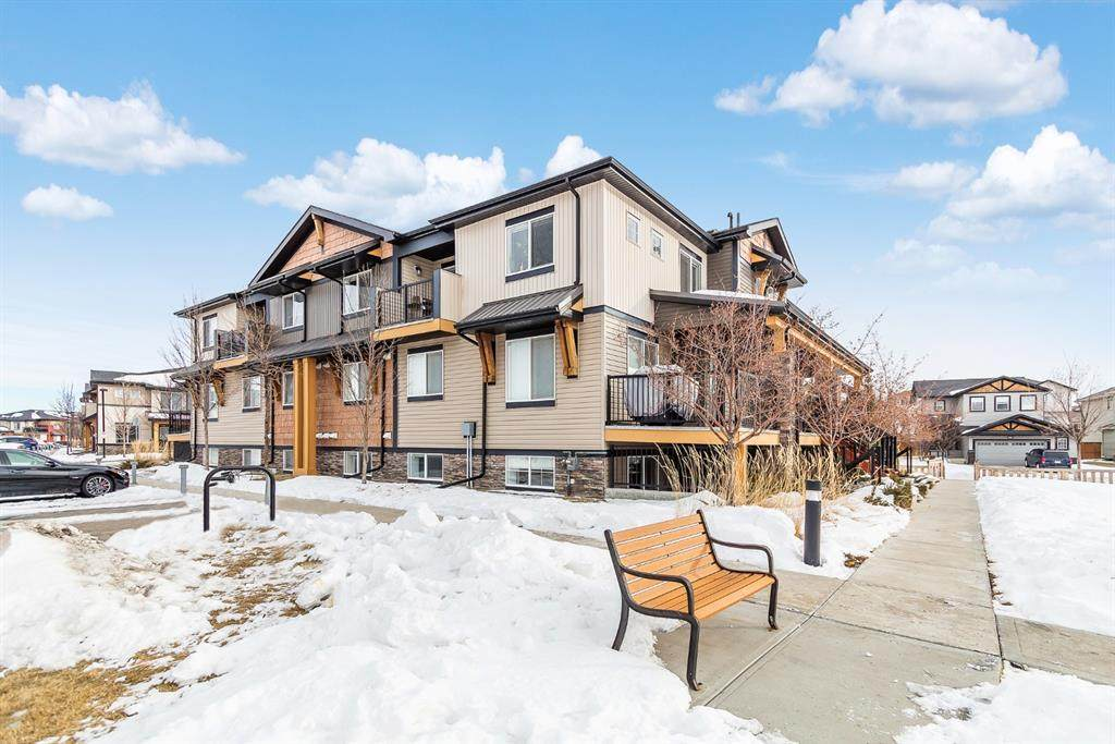 2781 Chinook Winds Drive - Photo 1