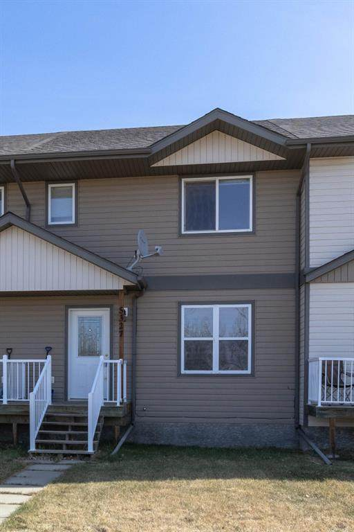 5327 60 Street, Stettler Town, AB T0C 2L2 (#A1059103) :: Calgary Homefinders
