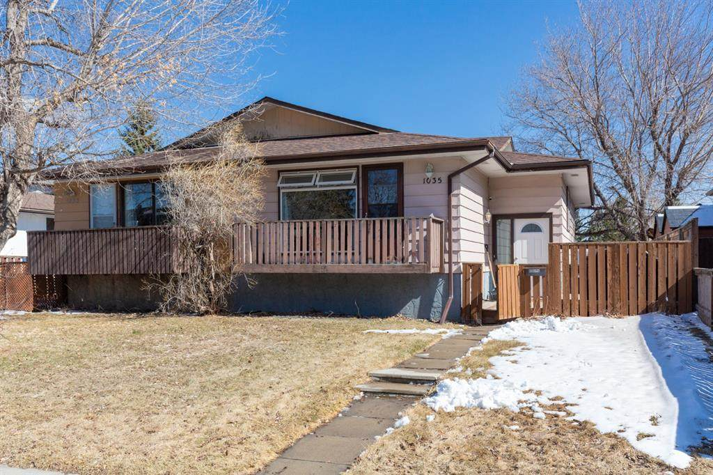 1035 Canfield Crescent - Photo 1