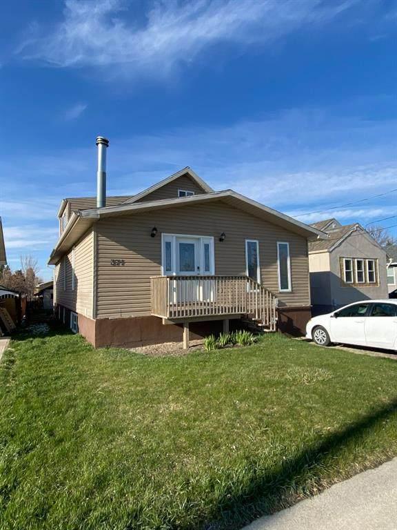 371 3rd Avenue W, Cardston, AB T0K 0K0 (#A1098653) :: Redline Real Estate Group Inc