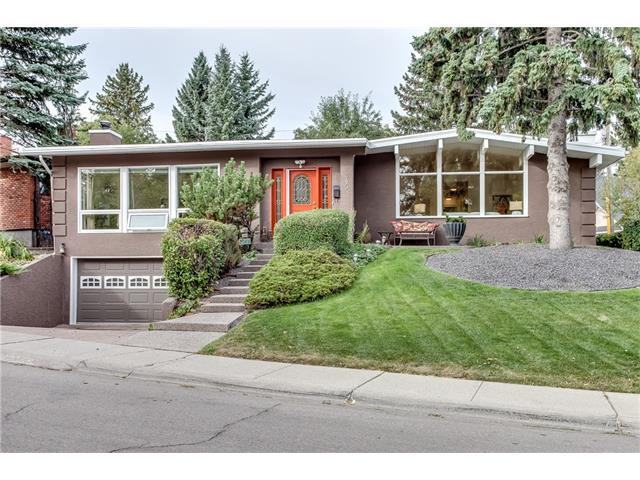 245 Wildwood Drive SW, Calgary, AB T3C 3E2 (#C4137337) :: Redline Real Estate Group Inc