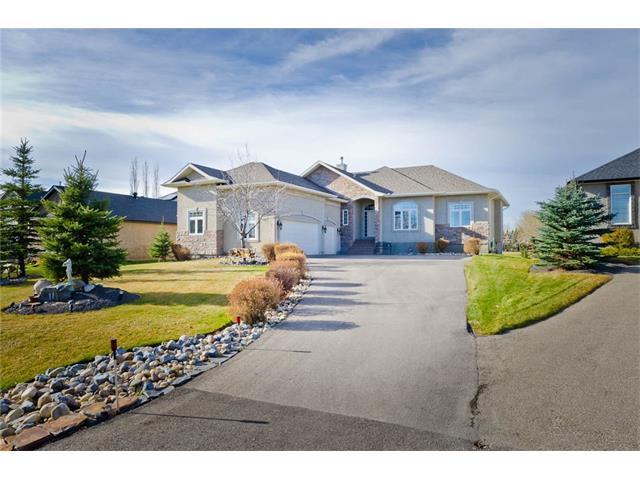 11 Lynx Meadows Drive NW, Calgary, AB T3L 2M1 (#C4142933) :: Redline Real Estate Group Inc