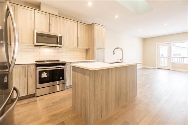 2 West Mcdonald Place, Cochrane, AB T4C 1L8 (#C4145124) :: Canmore & Banff