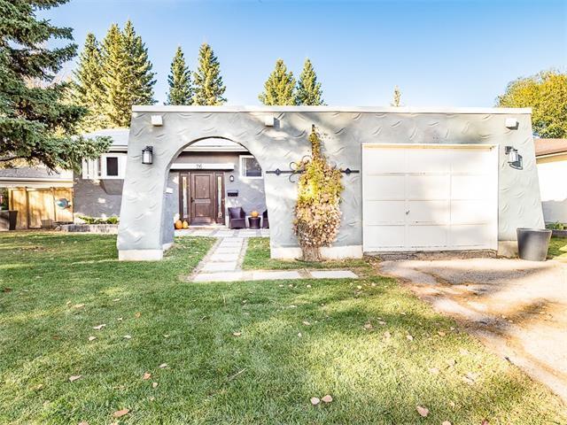 26 Oakview Place SW, Calgary, AB T2V 3Z9 (#C4146355) :: The Cliff Stevenson Group
