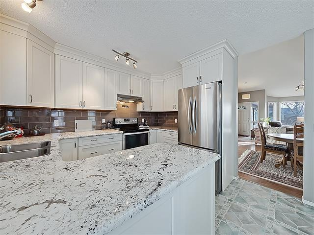 4 Arbour Cliff Close NW, Calgary, AB T3G 3W8 (#C4163004) :: The Cliff Stevenson Group