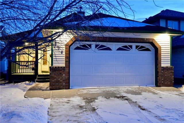 408 Scenic View Bay NW, Calgary, AB T3L 1Z4 (#C4163774) :: The Cliff Stevenson Group