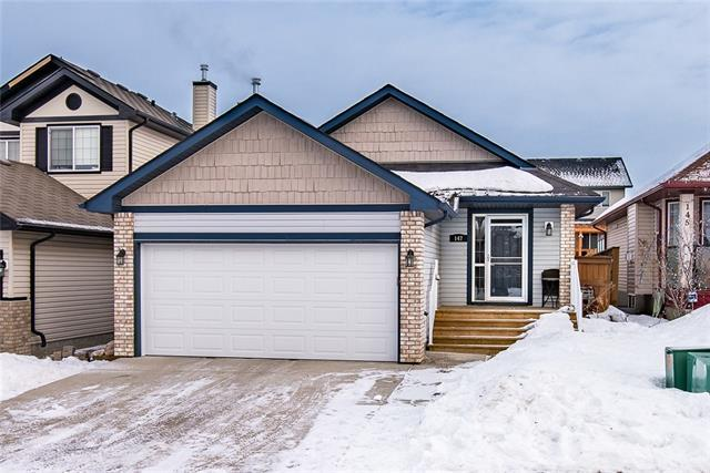 147 Cimarron Grove Circle, Okotoks, AB T1S 2M1 (#C4164135) :: The Cliff Stevenson Group