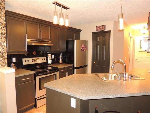 5982 Saddlehorn Drive NE, Calgary, AB T3J 4M4 (#C4166156) :: Redline Real Estate Group Inc