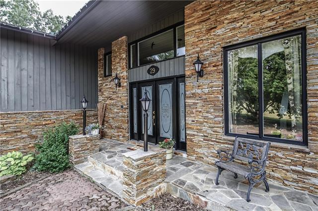 29 Artists View Drive, Rural Rocky View County, AB T3Z 3N4 (#C4167675) :: Redline Real Estate Group Inc